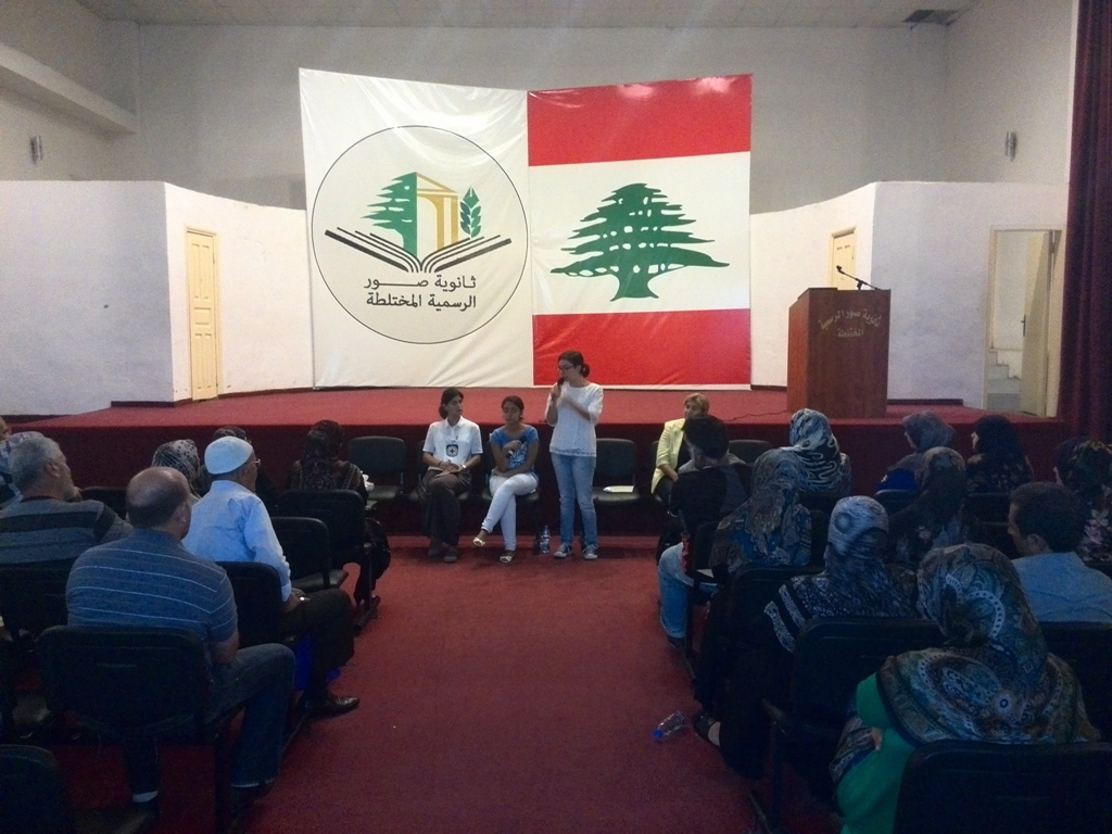 ACT speaker at information meeting in Tyr